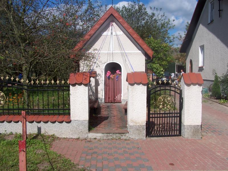 Kapliczka w Idzikowicach