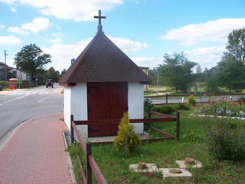 Kapliczka w Radzicach Dużych