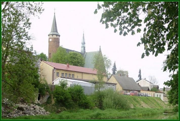 Kościół od strony zamku
