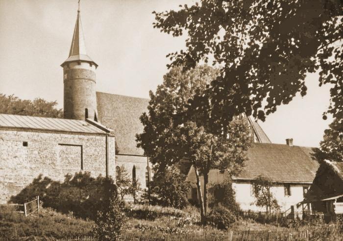 Kościół od strony zamku dawniej