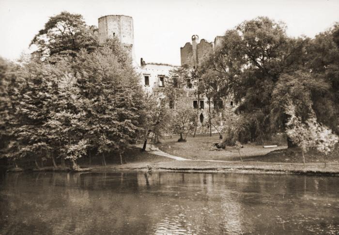 Zamek dawniej