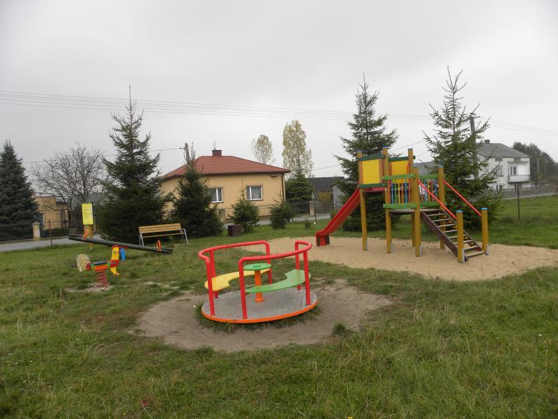 Plac zabaw w Jelni